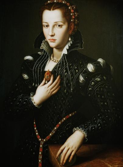 Agnolo_Bronzino_-_Ritratto_di_Lucrezia_de_Medici