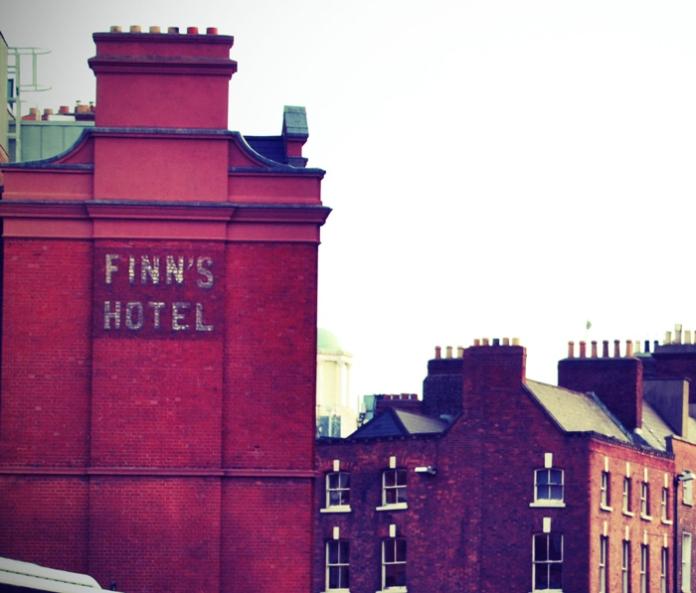 Finns-Hotel-real