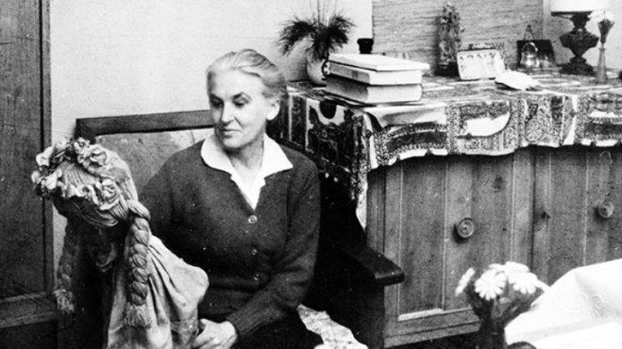 Anna Świrszczyńska, em 1965