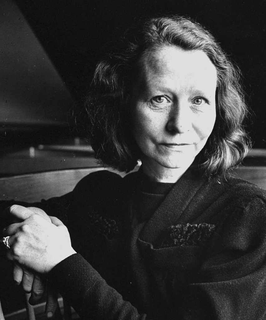 the early life successes and influence of playwriter edna st vincent millay Millay was openly bisexual and a strong advocate in the feminist community edna st vincent millay taught me that to be a poet, i have to be honest to not only myself, but also to the world around me.